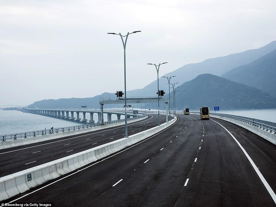 Չինաստանում կկայանա աշխարհում ամենաերկար կամրջի պաշտոնական բացումը. կռահել դրա երկարությունը :