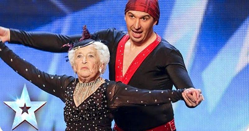 Սա տեսնել է պետք․Երբ բեմ դուրս եկավ այս 80-ամյա տատիկը, բոլորը սխալվեցին երբ թերագնահատեցին նրան․