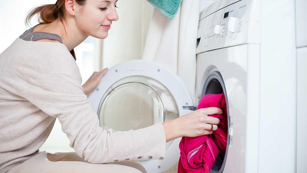 Հագուստի վրայի ցանկացած հետք կվերանա ընդմիշտ, եթե դուք ավելացնեք լվացքի մեքենայի մեջ այս բաղադրիչը