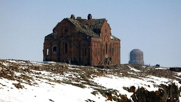 Շքեղ ու հպարտ, դարերի միջով անցած, պատմական Անի քաղաքը ինչերի միջով է անցել