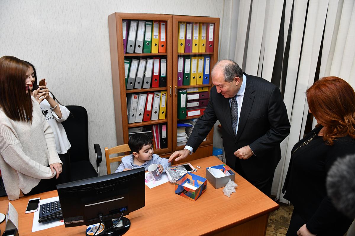 Արմեն Սարգսյանը իր վեց ամսվա աշխատավարձը, նվիրաբերել է «Հայաստան» համահայկական հիմնադրամին․