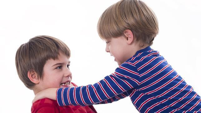 Երբ դու բարկացած հեռացար,ես մնացի երեխաների հետ մենակ։Ես հիանում եմ քեզնով, ինչպե՞ս է այդ ամենը քեզ մոտ ստացվում։