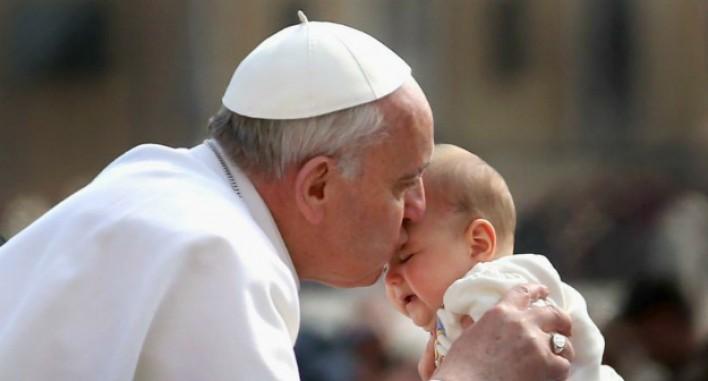 Սա Աստծո համբույր էր, Հռոմի պապի համբուրից 2 շաբաթ անց տեղի ունեցավ հրաշք. տեսանյութ