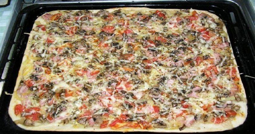 Պիցցայի ամենահամեղ խմոր, որ երբևէ փորձել ենք, այն պատրաստվում է ընդամենը 30 րոպեում.