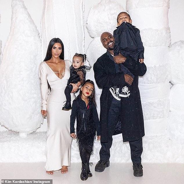 Ընտանեկան սուրբծննդյան լուսանկարներ է հրապարակել Քիմ Քարդաշյանը