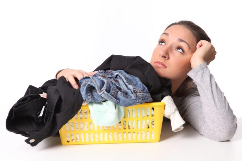 Շատ օգտակար խորհուրդներ, թե ինչպես ազատվել ձեր հագուստի նույնիսկ ամենադժվար մաքրվող եւ հին բծերից