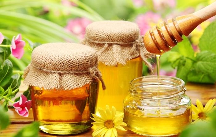 Մեղրի մասին. արդյո՞ք կարողանում եք անարատ մեղրը տարբերել շաքարով ստացված քաղցր զանգվածից