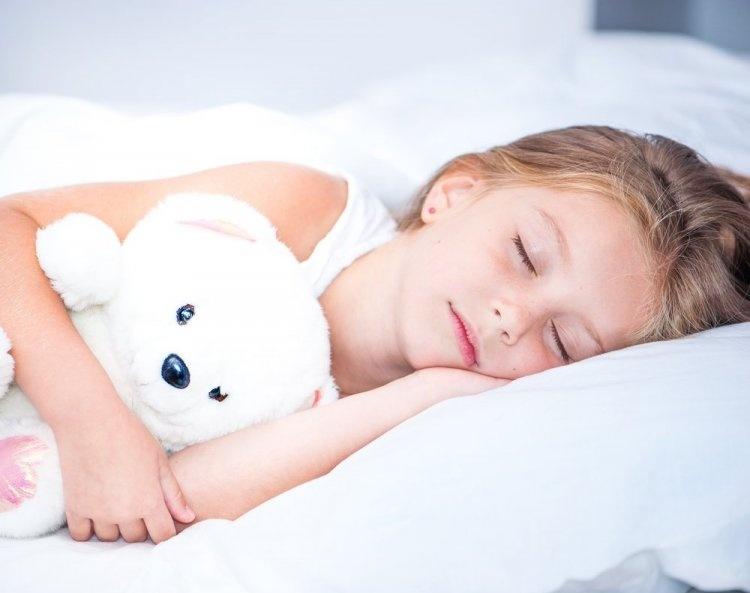 Ո ՞ր ժամին է անհրաժեշտ երեխային քնեցնել. սա այն հարցն է, որի պատասխանը յուրաքանչյուր ընտանիք տալիս է յուրովի