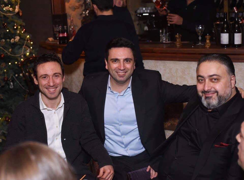 Ալեն Սիմոնյան. Հպարտանում եմ իմ ընկեր, իմ բարեկամ, իմ թիմի անդամ Վիկտոր Մնացականյանով` երեկվա իր պահվածքի համար.