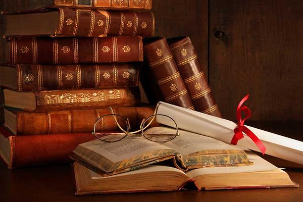 Գիրք կարդալ, թե՞ ֆիլմ դիտել: Գիրք կարդալ՝ նշանակում է խորհել ու երևակայել. Ընթերցանությունը ուսուցանող է, գրավիչ ու հետաքրքիր