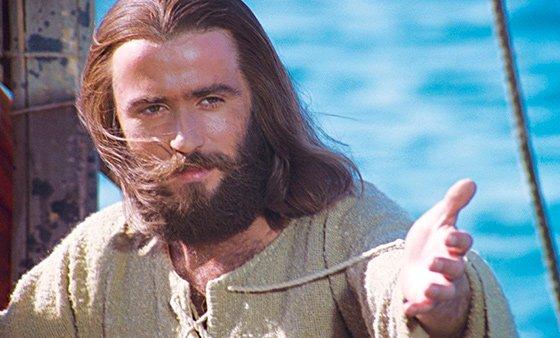 Երիտասարդի աղոթք. Արարիչ իմ և Տեր իմ, Փրկիչ իմ և Հայր իմ, Որ անհոգս մանկություն ինձ շնորհելով Հասցրել ես երիտասարդության...