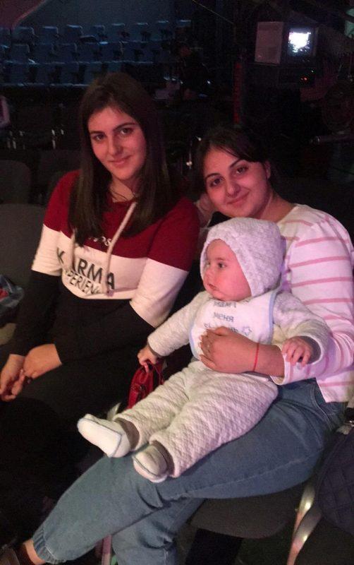 Դերասանուհի Անահիտ Կիրակոսյանի բազմանդամ և գեղեցիկ ընտանիքը