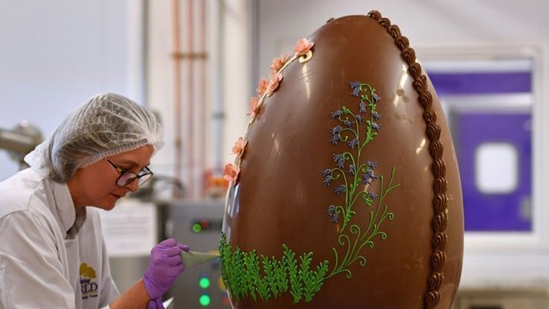 Հրուշակագործները Սուրբ Զատիկի համար 50 կիլոգրամ կշռող շոկոլադե ձու են պատրաստել. Սա պարզապես գլուխգործոց է