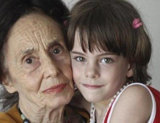 Գեղեցիկ և խելացի փոքրիկ, ում մայրն ունեցել է 67 տարեկան հասակում