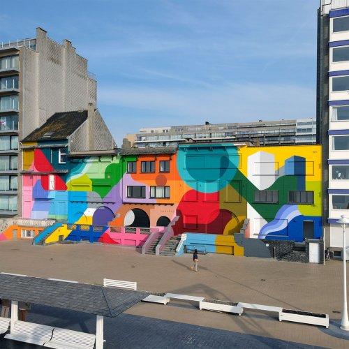 Բրյուսելյան նկարիչը գույների հորձանուտ է պատկերում շենքերի ճակատներին (լուսանկարեր)