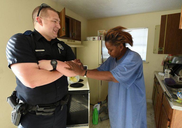 Նա 5 հատ ձու էր գողացել, բայց ձերբակալելու փոխարեն ոստիկանը նրա համար շատ- շատ ուտելիք գնեց. պատմություն երջանիկ ավարտով, անպայման կարդալ է պետք