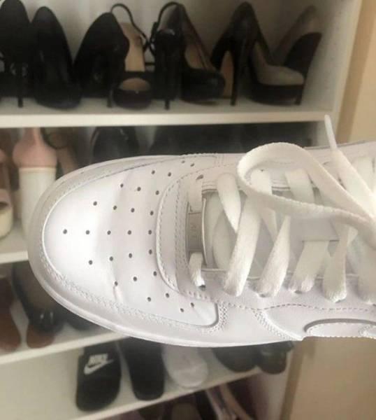 Աղջիկը ցույց տվեց, թե ինչպես պետք է հարթեցնել սպորտային կոշիկների վրա առաջացած ծալքերը, սա իսկական մոգություն է