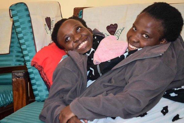 Մեկ մարմին ունեցող աղջիկները 21 տարեկան էին՝ Նրանց սրտերը կանգ առան ընդմիշտ