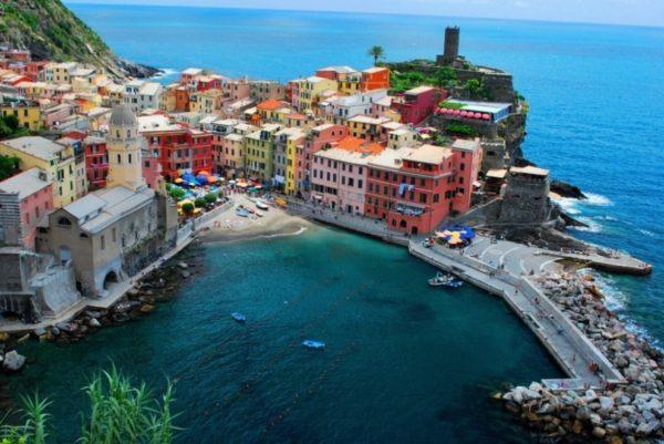 15 վայրեր, որտեղ աշխարհը ղեկավարում են գույները