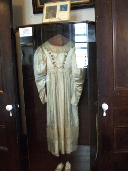 Սարսափելի, բայց ռոմանտիկ պատմություն՝ Աննա Բեյքերը եւ նրա հարսանյաց զգեստը
