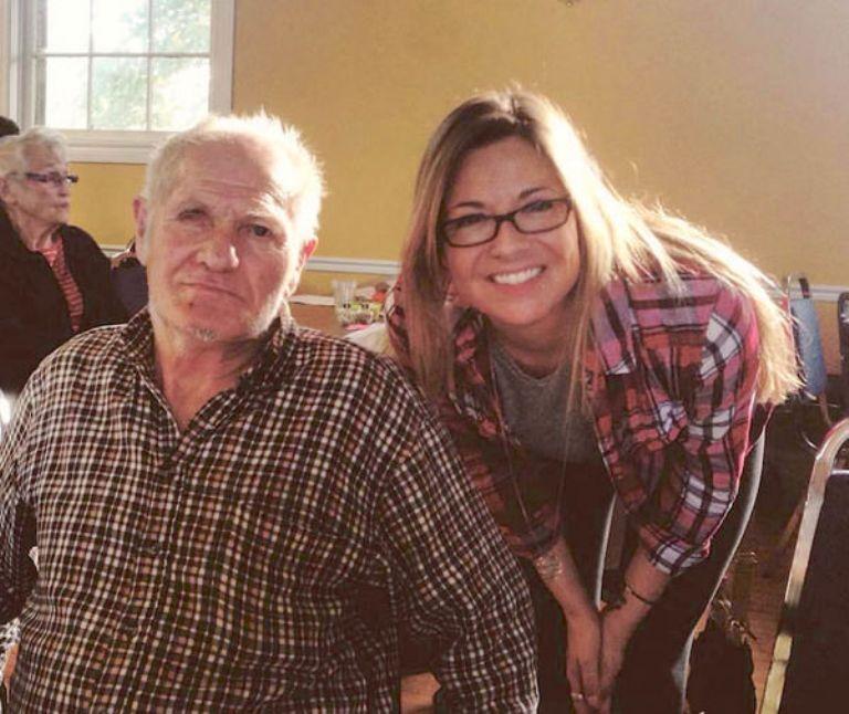Այս աղջիկը լքված տանը գտավ մի ծեր պապիկ, ում հետ ընկերացավ
