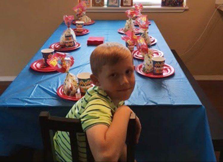 Ոչ մեկը չեկավ երեխայի ծննդյան օրվա տոնին, ահա նրա  տատիկի քայլը դիպավ  բոլորի  սրտերին
