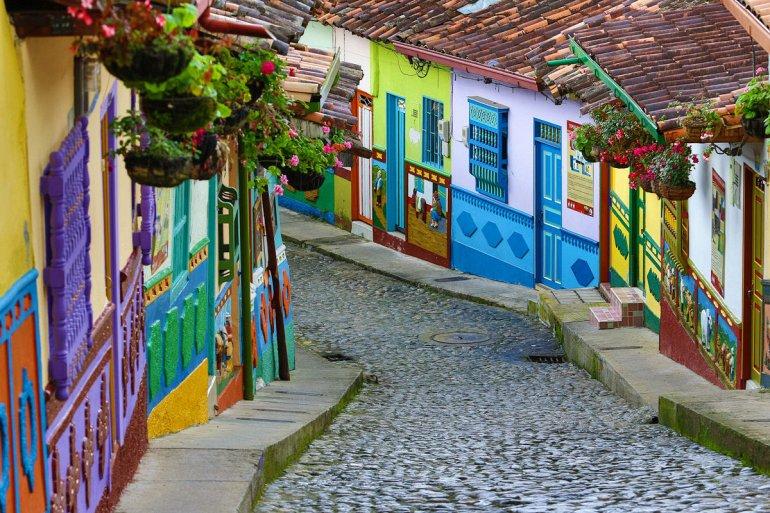 Աշխարհի ամենագունեղ քաղաքը. Կոլումբիական Գվատապեան