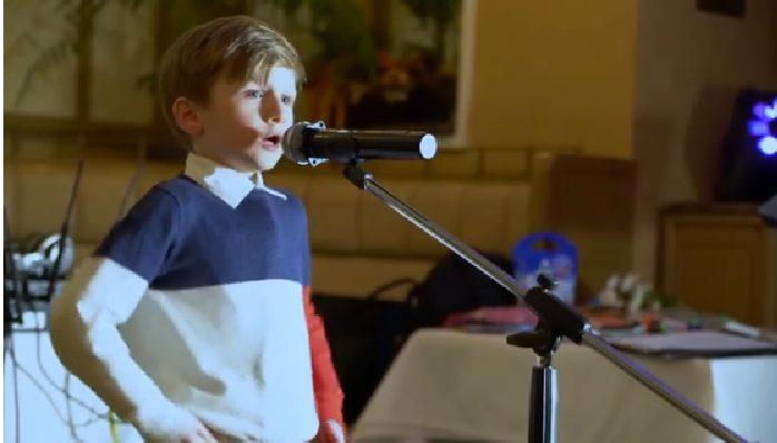 «Лучше всех» հաղորդումից հայտնի 6-ամյա հայ փոքրիկը կատարում է Ազնավուրի Une vie d'amour երգը