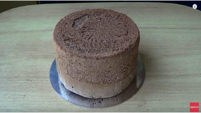 Այս բաղադրատոմսով բիսկվիտը կստացվի շոկոլադե և հսակայական, որով  կարոք եք թխել զանազան տորթեր