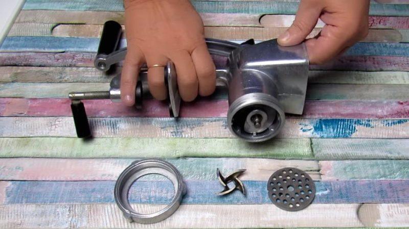 Մսաղացի դանակը սրելու ամենաարագ եւ ամենաարդյունավետ մեթոդը