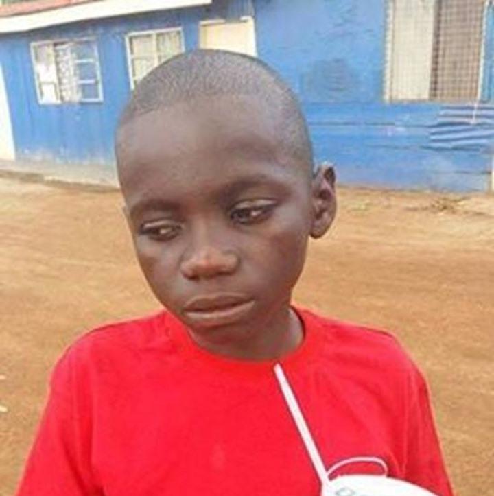 Փոքրիկ անօթևան  երեխան մոտենում էր մեքենաներին և գումար խնդրում. այն ինչ նա տեսավ մի մեքենայի մեջ ցնցեց նրան