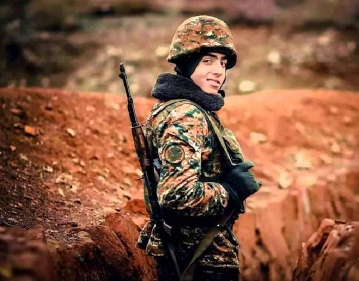 Հայ զինվորին և Հայոց բանակին նվիրված ամենագեղեցիկ երգերից մեկը. Պատիվ ունեմ