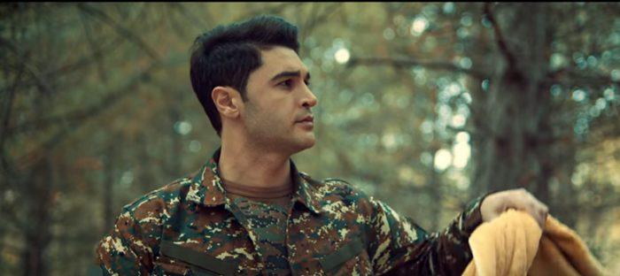 Զինվորին նվիրված այս հուզիչ երգը անտարբեր չի թողնի իրենց զինվորներին սպասող սրտերին