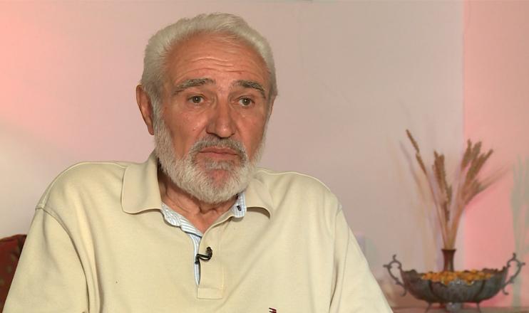 Մի ստորաքարշ բանաստեղծ, որն ուզում է Քոչարյանի փողերով իր 80-ամյակը ճոխ կազմակերպել, ասում է…