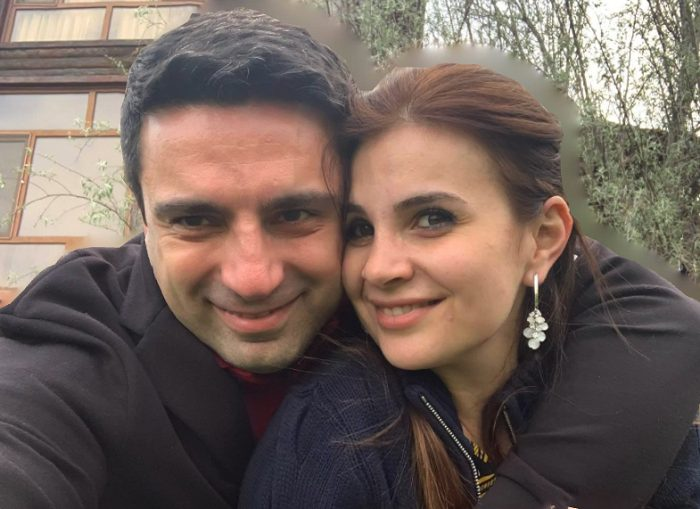 Ալեն Սիմոնյանի կինը հրապարակել է իր և Աննա Հակոբյանի արխիվային լուսանկարը