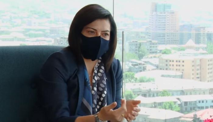 Լրագրող Լիկա Թումանյանը լքել է Արամ Խաչատրյան համերգասրահը, քանի որ այնտեղ հանդիպել է Աննա Հակոբյանին. տեսանյութ