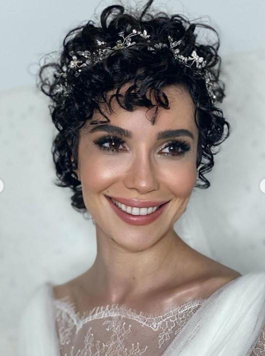 Թուրքական սերիալների աստղն ամուսնացել է հայի հետ