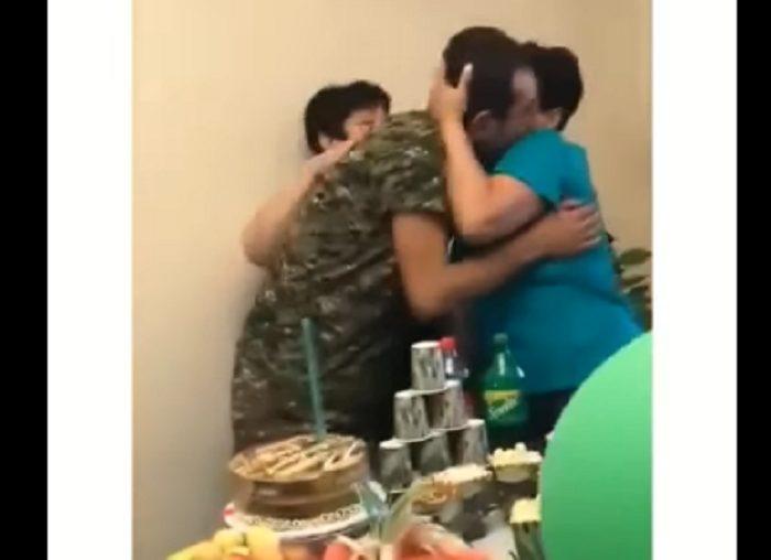 Հայ զինվորի վերադարձը անտարբեր չի թողնի ոչ ոքի. անասելի հուզիչ տեսանյութ