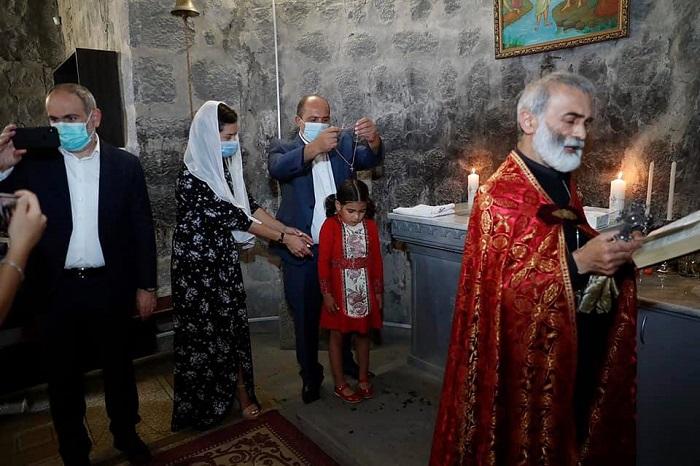 """""""Երեխայի մկրտությունը մեր ընտանիքում իսկական տոն է."""" Աննա Հակոբյանը նոր լուսանկարներ է հրապարակել"""