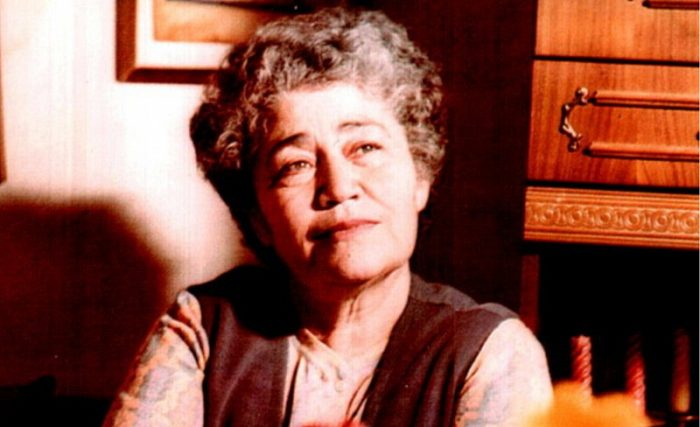 Այսօր Ամենայն հայոց բանաստեղծուհի Սիլվա Կապուտիկյանի հիշատակի օրն է