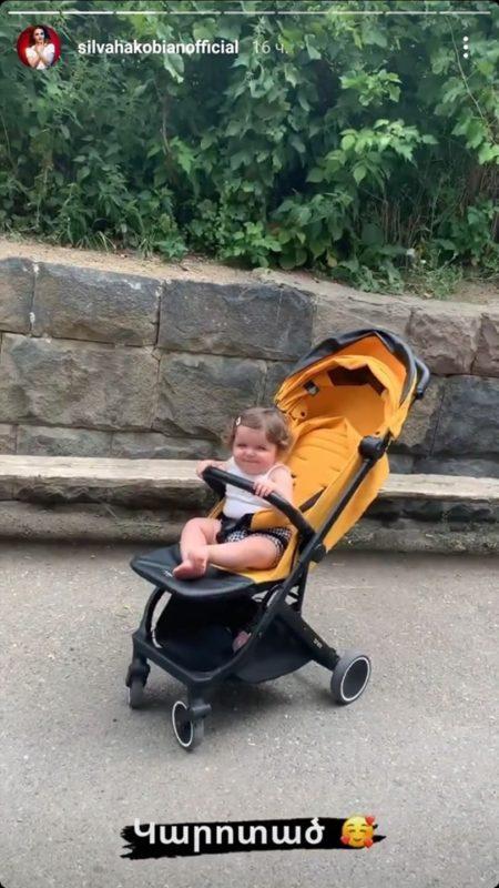 Սիլվա Հակոբյանը դստերը ծանոթացնում է իր ծննդավայրին․ լուսանկարներ՝ Վայքից