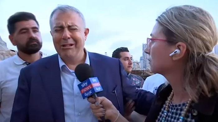 Անչափ հուզիչ տեսանյութ. ինչպես է արտասվում Բեյրութի քաղաքապետը՝ տեղի ունեցածը տեսնելով
