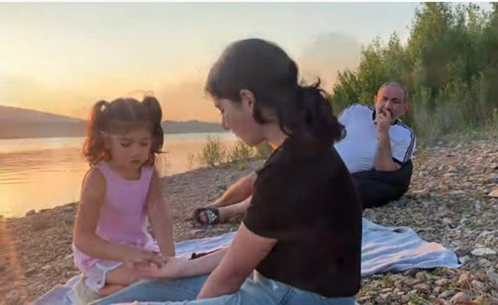 Շուշան Փաշինյանը ներկայացրել է, թե ինչ անակնկալ են պատրաստել ծննդյան օրվա առթիվ ծնողները և ինչպես է անցել օրը