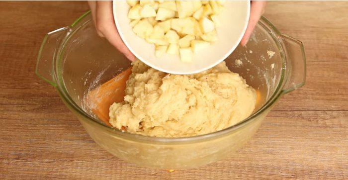 Ընդամենը մի քանի րոպեում պատրաստվող խնձորով անչափ համեղ բլիթներ