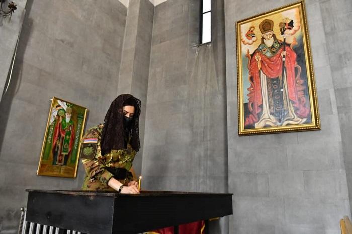 """""""Սիրելի՛ հայ տղամարդիկ,  ժամանակն է, որ շտապեք ռшզմшճակատ..."""" Աննա Հակոբյանը դիմել է կոչով"""