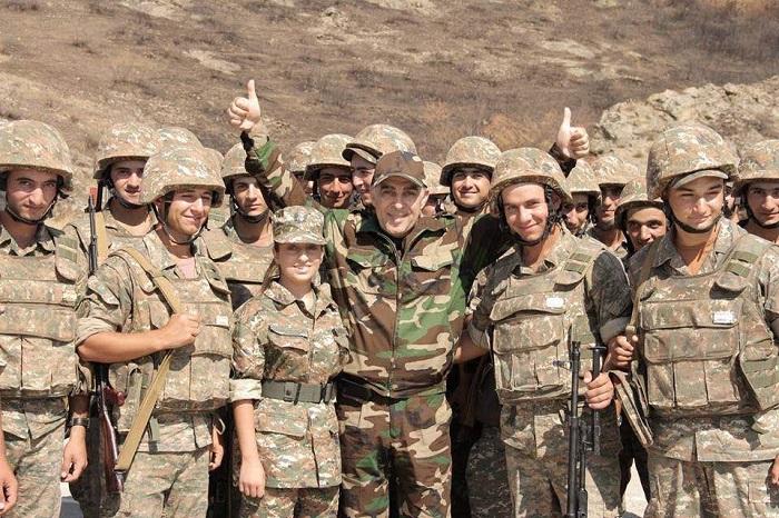 """""""Շնորհակալ եմ, զինվոր ջան... Ես քնած եմ, դու արթուն ես զինվոր ջան..."""" Արա Գևորգյան"""