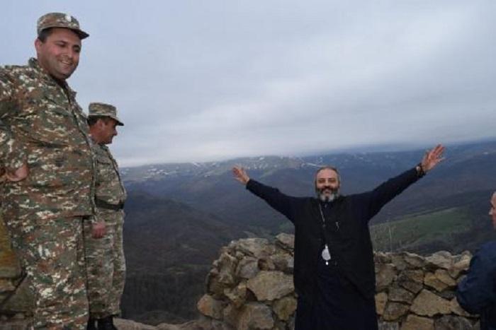 """""""Կվերադառնամ, երբ խաղաղության մասին լուրը լսեմ."""" Բագրատ Սրբազանը մեկնում է Արցախ"""