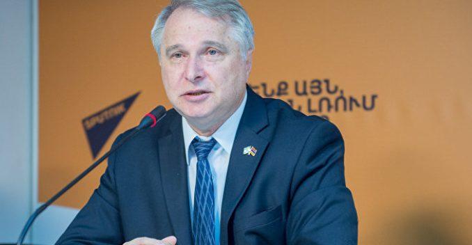 Ալեկսանդր Ցինկերը հորդորել է և Հայաստանին և մյուս երկրներին ճանաչել Արցախի անկախացումը