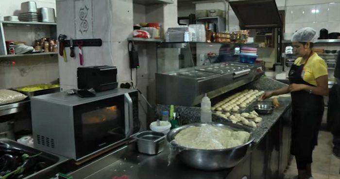 Հնդիկ ընտանիքն իր ռեստորանից ամեն օր պատրաստի սնունդ է մատակարարում արցախցի ընտանիքներին