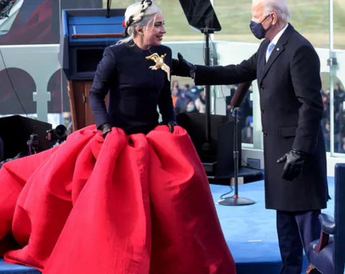 Ուշագրավ. ԱՄՆ նախագահի երդմնակալության ժամանակ Լեդի Գագայի ելույթն ու նրա հագուստի առեղծվածը